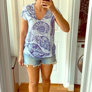 Lilly Pulitzer Stuffed Shells Loose T-shirt 🐚